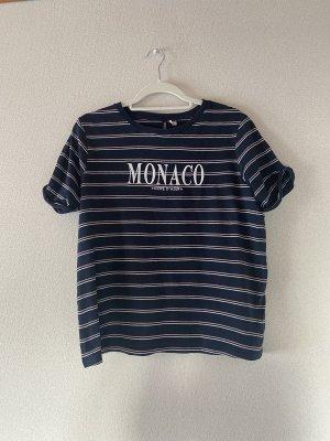 Blau gestreiftes Tshirt