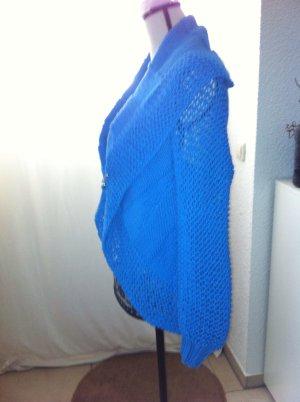 blau gestrickter blazer