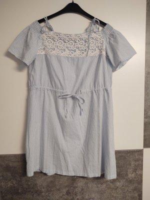 blau Kleid, jan.