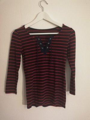 blau-rot gestreiftes 3/4 Shirt mit Geschnüre