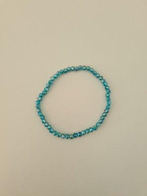 blau schimmerndes Perlenarmband