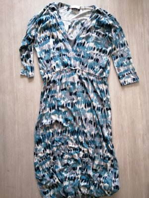 Blau weiß gemustertes Kleid für kältere Tage von Wrap mit Wollanteil.