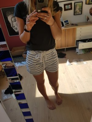 Daphnea Shorts white-blue
