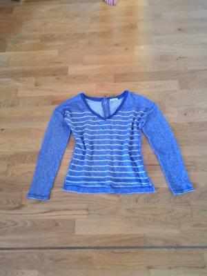 Blau weiß gestreifter Sweater