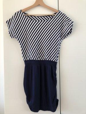 Blau weiß gestreiftes Kleid Ringelkleid maritimer Look