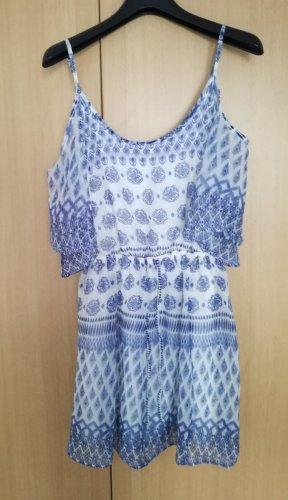 Blau weißes Hollister Kleid mit Schulterausschnitten