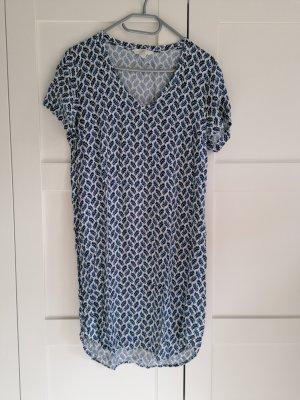 blau weißes Kleid