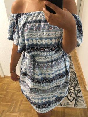 Blau/Weißes Sommerkleid mit Carmenkragen