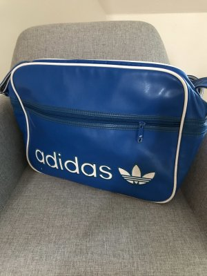 Blaue Adidas Tasche