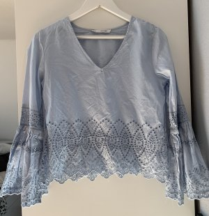 Blaue Bluse in S mit Cut outs