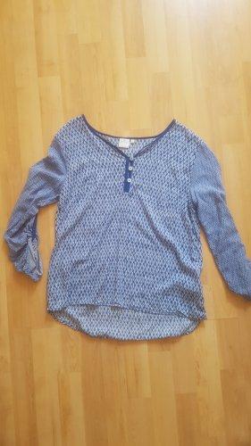 Blaue Bluse mit Muster