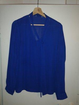 blaue Bluse mit schluppe