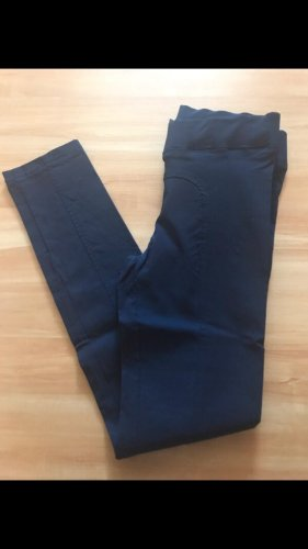 Blaue Business Hose