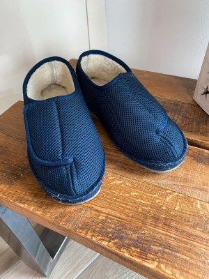Schawos Kapcie z włóczki niebieski-ciemnoniebieski
