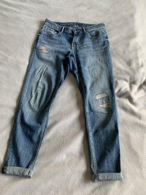Blaue Girlfriendjeans Jeans mit Stickerei