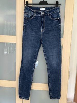 Blaue Highwaist Jeans mit Thermoeffekt (Gr. 38)
