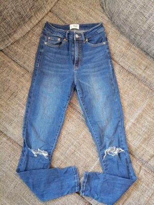 blaue Highwaist Jeanshose