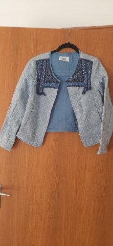Blaue Jacke