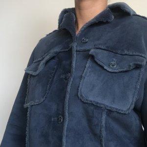 Blaue Jacke mit netten Details