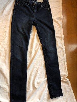Blaue Jeans von Esprit.