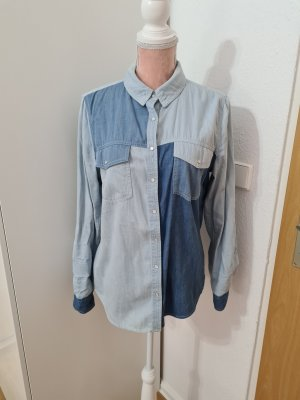 blaue Jeansbluse