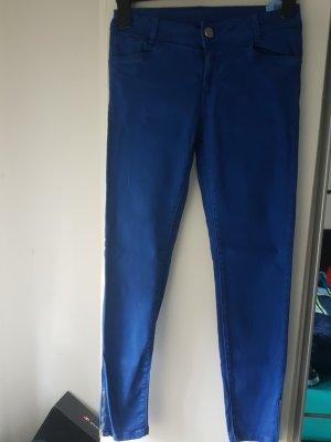 Blaue Jeanshose