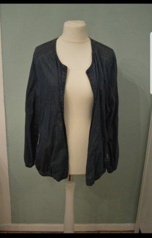 Blaue Jeansjacke von Yesscia
