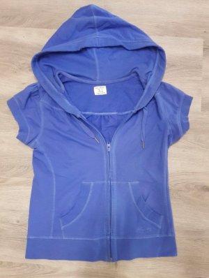 blaue kurzärmelige Sweatjacke