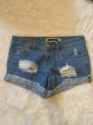 Blaue kurze Jeansshorts