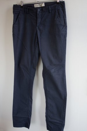 Blaue lässige geradegeschnitte Stoffhose