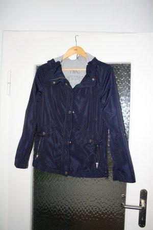 Blaue leichte Jacke von s.Oliver