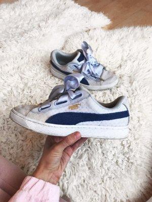 Blaue Puma Suede