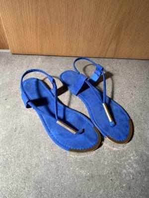 Blaue Sandalen