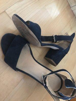 Blaue Sandalen / hohe Schuhe
