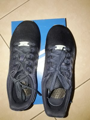 Blauer Adids Sneaker