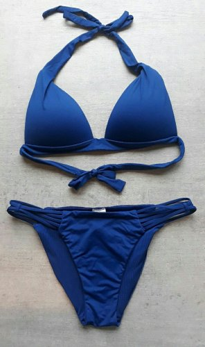 Blauer Bikini von Calzedonia