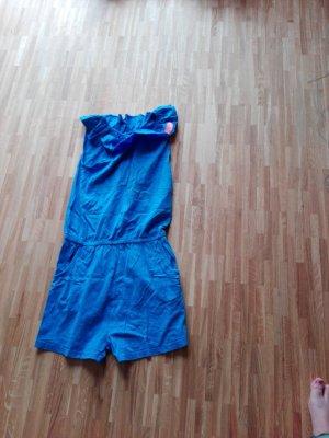 blauer jumpiut