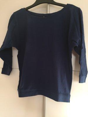 Blauer Pullover mit 3/4 Ärmel