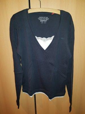 blauer Pullover mit spitze vorne