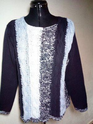 blauer Pullover von Olsen im Zopfmuster