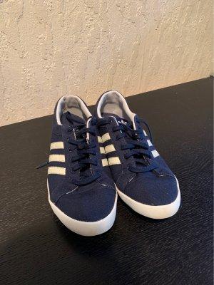 Adidas Basket à lacet bleu foncé-blanc