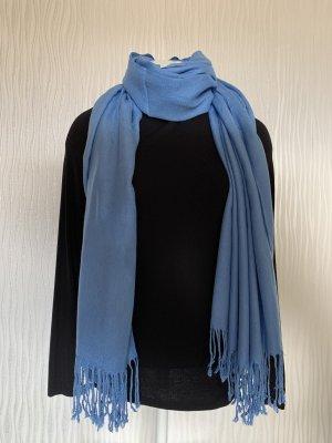 Blauer weicher Schal