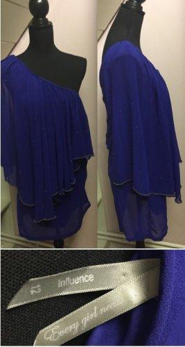 Blaues asymmetrisches Kleid mit goldenen Details von influence
