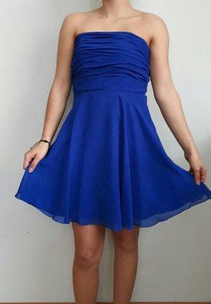 Blaues Ballkleid von La Donna