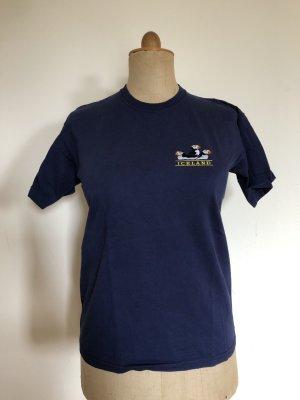 blaues besticktes T-Shirt