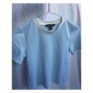 Blaues Crop Top Mit Weißem Kragen