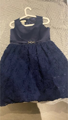 Robe de bal bleu foncé-doré