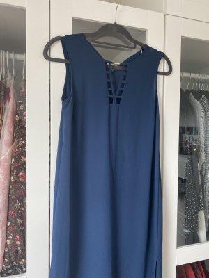 Blaues Kleid Ärmel Los