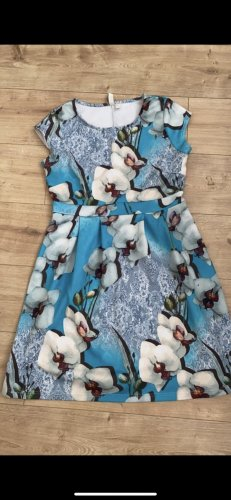Blaues Kleid Midi