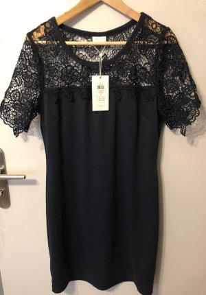 Blaues Kleid mit Spitze, Figurbetont, Stretchstoff
